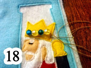 numbered-finish-loop-beads-crown-king-queen-Esther