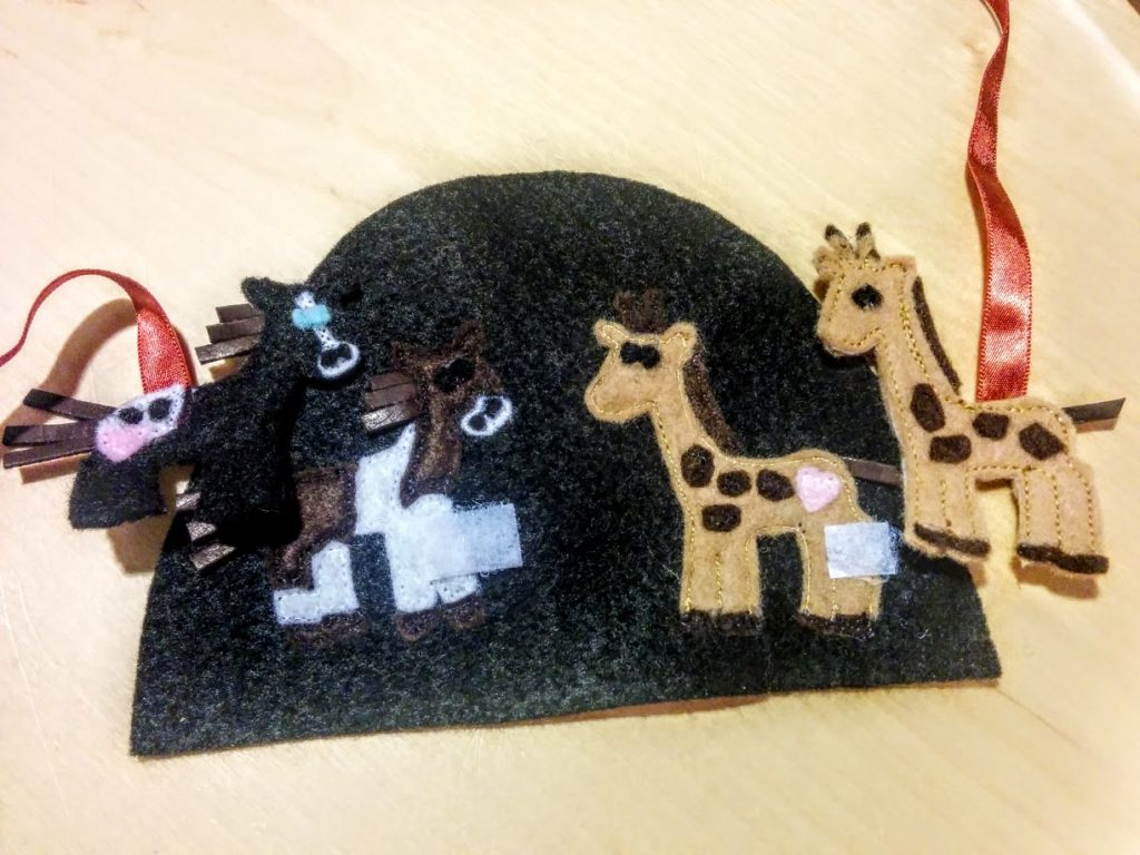 done-velcro-loose-animals-inside-ark-door-Noahs-ark