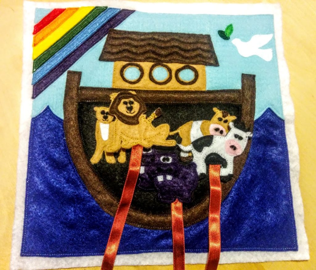 done-velcro-loose-animals-inside-ark-door-background-Noahs-ark
