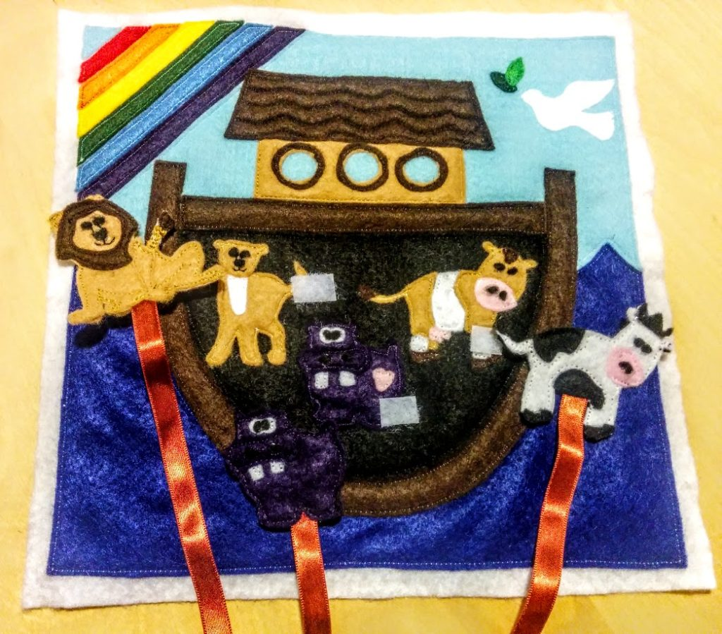 done-velcro-loose-animals-inside-ark-door-background2-Noahs-ark