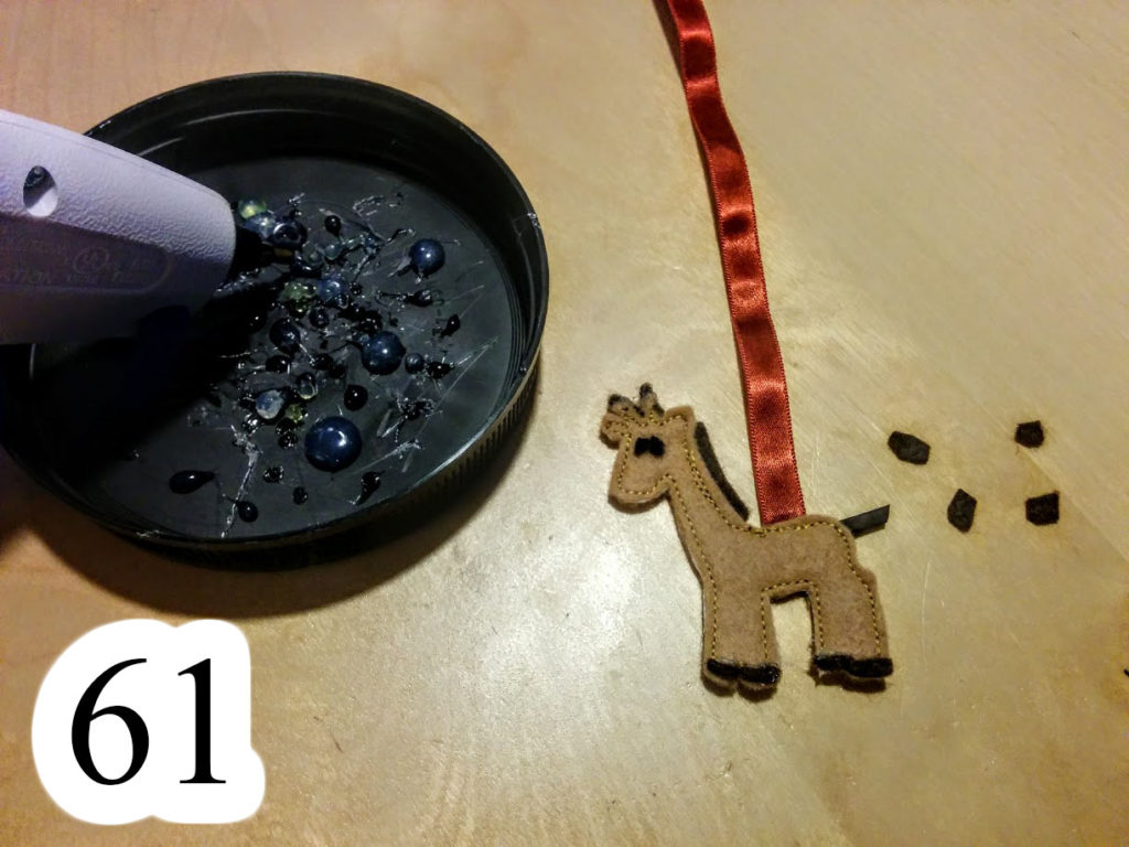 numbered-cut-eyes-hot-glue-feet-spots-loose-giraffe-Noahs-ark